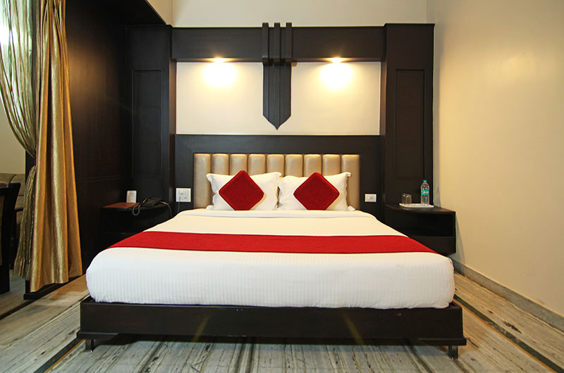 Le Grand Hotel Haridwar - Executive Suite Room1